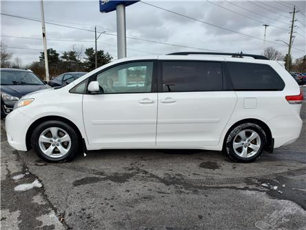 2012 Toyota Sienna LE 8 Passenger (Stk: 20S96A) in Whitby - Image 2 of 21