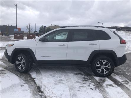 2017 Jeep Cherokee Trailhawk (Stk: FP191233A) in Barrie - Image 2 of 27