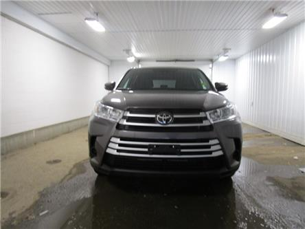 2019 Toyota Highlander LE (Stk: F171060) in Regina - Image 2 of 36