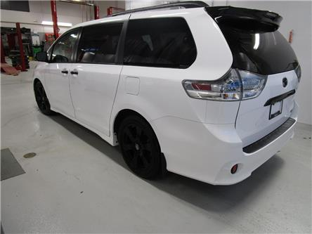 2020 Toyota Sienna SE 8-Passenger (Stk: 209024) in Moose Jaw - Image 2 of 33
