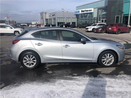 2018 Mazda Mazda3 Sport GS (Stk: MX1101) in Ottawa - Image 2 of 20