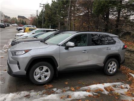 2020 Toyota RAV4 XLE (Stk: 208016) in Burlington - Image 2 of 5