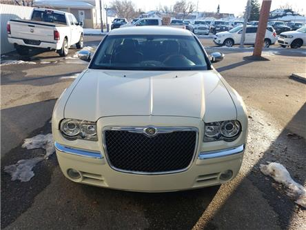 2010 Chrysler 300 Limited (Stk: 16280) in Fort Macleod - Image 2 of 17