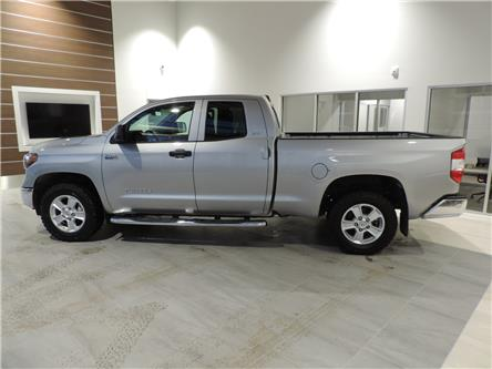 2018 Toyota Tundra SR5 Plus 5.7L V8 (Stk: 185661) in Brandon - Image 1 of 18