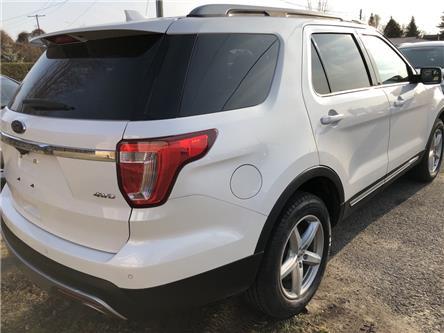2017 Ford Explorer XLT (Stk: -) in Kemptville - Image 2 of 17