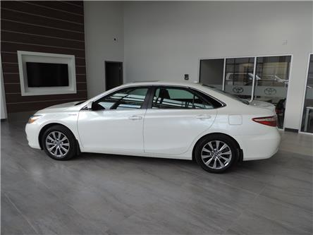 2017 Toyota Camry Hybrid XLE (Stk: 200961) in Brandon - Image 1 of 22