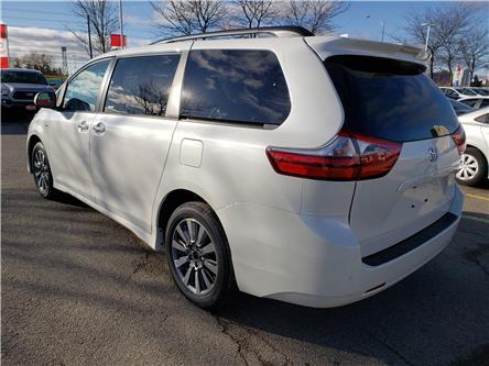 2020 Toyota Sienna XLE 7-Passenger (Stk: 20-351) in Etobicoke - Image 2 of 10