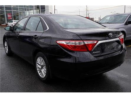 2016 Toyota Camry LE (Stk: L27543) in Ottawa - Image 2 of 9