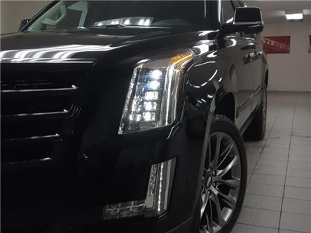 2020 Cadillac Escalade ESV Premium Luxury (Stk: 209503) in Burlington - Image 2 of 23