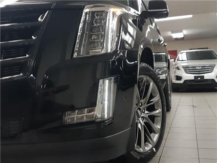 2020 Cadillac Escalade Premium Luxury (Stk: 209506) in Burlington - Image 2 of 21