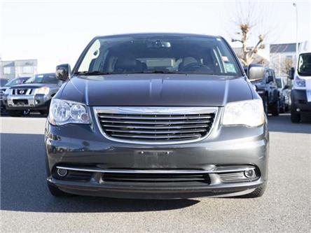 2011 Chrysler Town & Country Touring (Stk: LC0043A) in Surrey - Image 2 of 18
