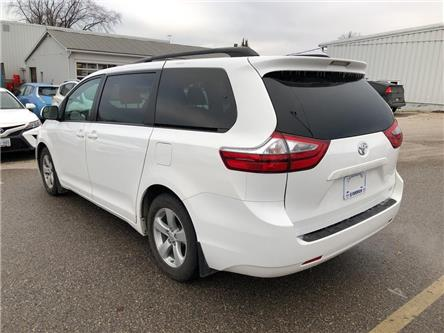 2017 Toyota Sienna LE 8 Passenger (Stk: R20317) in Goderich - Image 2 of 18