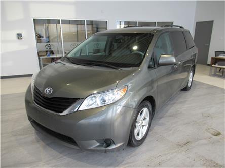 2012 Toyota Sienna LE 7 Passenger (Stk: 174631) in Brandon - Image 2 of 22
