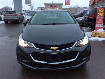 2017 Chevrolet Cruze Hatch LT Auto (Stk: 053315A) in Milton - Image 2 of 17