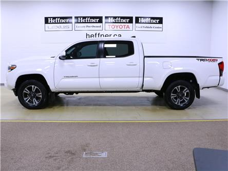 2018 Toyota Tacoma SR5 (Stk: 196218) in Kitchener - Image 2 of 31