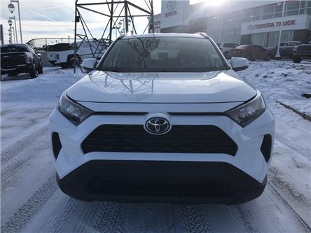 2019 Toyota RAV4 LE (Stk: 2985) in Cochrane - Image 2 of 19