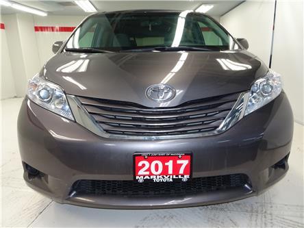 2017 Toyota Sienna LE 8 Passenger (Stk: 36895U) in Markham - Image 2 of 24