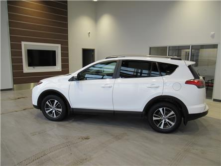 2017 Toyota RAV4 XLE (Stk: 200831) in Brandon - Image 1 of 18