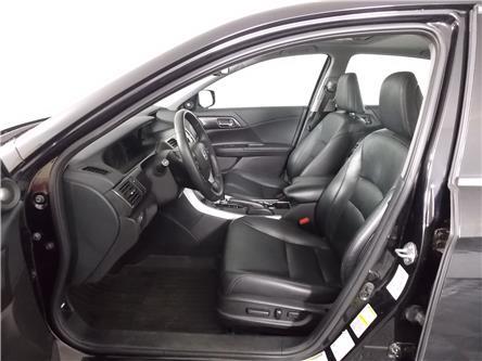 2015 Honda Accord Hybrid Touring (Stk: 219418A) in Huntsville - Image 2 of 31