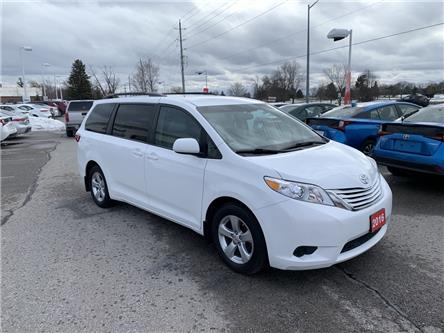 2016 Toyota Sienna LE 8 Passenger (Stk: P2018) in Whitchurch-Stouffville - Image 2 of 10