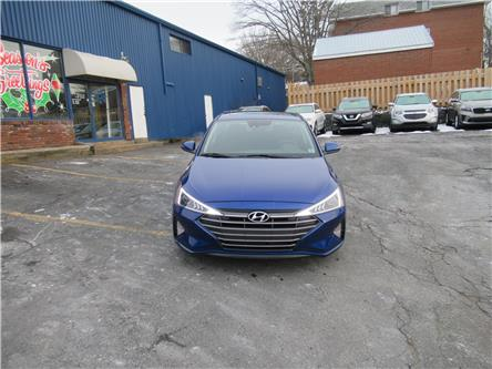 2020 Hyundai Elantra Preferred w/Sun & Safety Package (Stk: 903004) in Dartmouth - Image 2 of 25