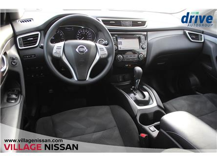 2016 Nissan Rogue SV (Stk: P2954) in Unionville - Image 2 of 28