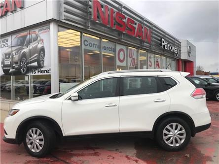 2016 Nissan Rogue SV (Stk: N19701A) in Hamilton - Image 2 of 12