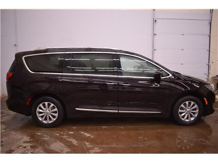 2018 Chrysler Pacifica Touring-L Plus (Stk: B5135) in Cornwall - Image 1 of 30