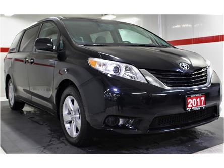 2017 Toyota Sienna LE 8 Passenger (Stk: 300157S) in Markham - Image 2 of 25