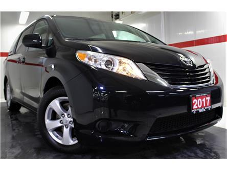 2017 Toyota Sienna LE 8 Passenger (Stk: 300157S) in Markham - Image 1 of 25