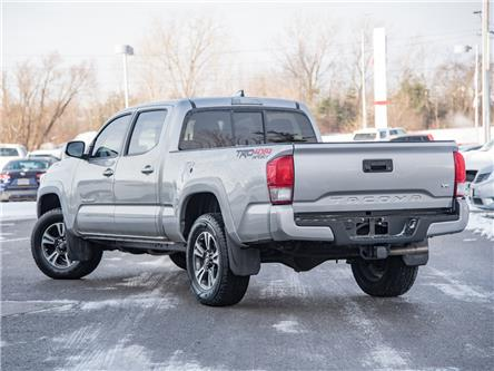2016 Toyota Tacoma SR5 (Stk: 6942A) in Welland - Image 2 of 20
