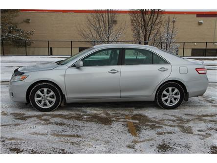 2011 Toyota Camry LE V6 (Stk: 1910507) in Waterloo - Image 2 of 23