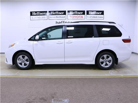 2020 Toyota Sienna LE 8-Passenger (Stk: 200714) in Kitchener - Image 2 of 5