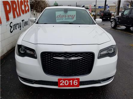 2016 Chrysler 300 S (Stk: 19-847) in Oshawa - Image 2 of 15