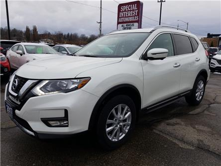 2017 Nissan Rogue SV (Stk: 739424) in Cambridge - Image 1 of 25