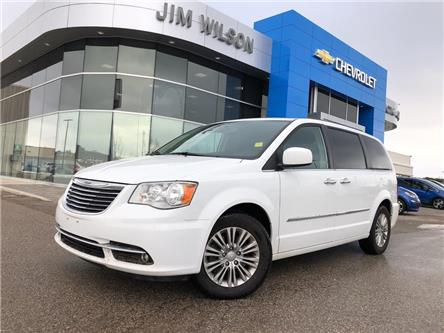 2016 Chrysler Town & Country Touring-L (Stk: 2019956A) in Orillia - Image 1 of 23