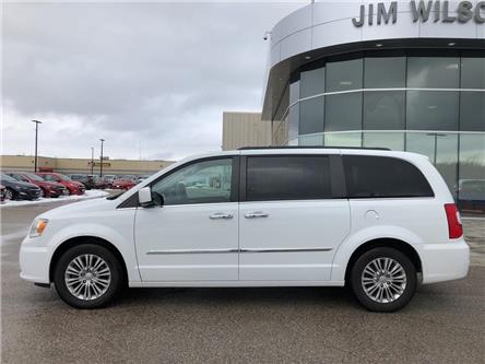 2016 Chrysler Town & Country Touring-L (Stk: 2019956A) in Orillia - Image 2 of 23