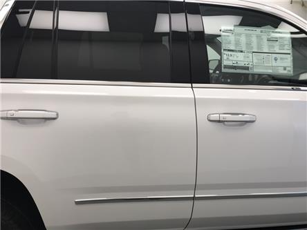 2020 GMC Yukon Denali (Stk: 212235) in Lethbridge - Image 2 of 30