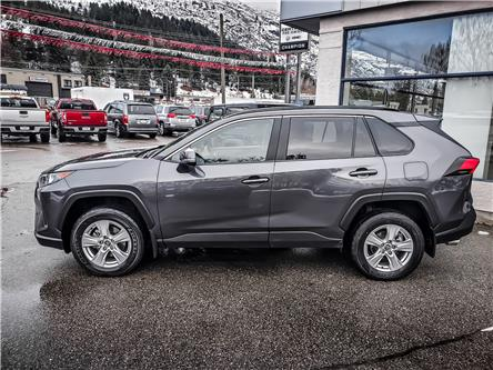 2019 Toyota RAV4 LE (Stk: P19-304) in Trail - Image 2 of 17