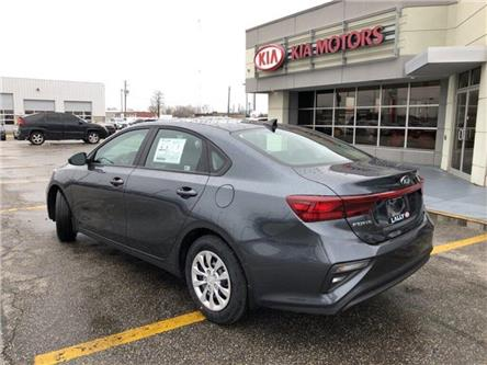 2020 Kia Forte LX (Stk: KFO2029) in Chatham - Image 2 of 15