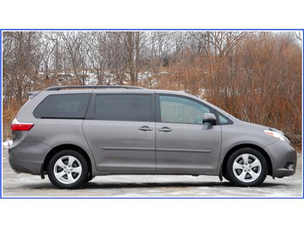 2015 Toyota Sienna LE 8 Passenger (Stk: 59622A) in Kitchener - Image 2 of 16