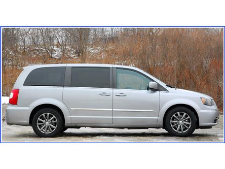 2015 Chrysler Town & Country S (Stk: 59620AJ) in Kitchener - Image 2 of 17
