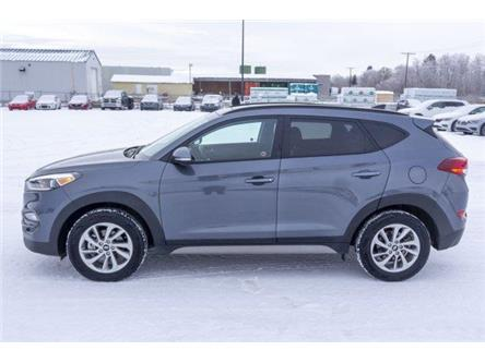 2018 Hyundai Tucson SE 2.0L (Stk: V882) in Prince Albert - Image 2 of 11