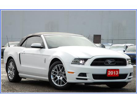 2013 Ford Mustang V6 Premium (Stk: D95040A) in Kitchener - Image 2 of 16