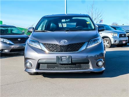 2017 Toyota Sienna  (Stk: D200738A) in Mississauga - Image 2 of 28