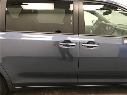 2017 Toyota Sienna XLE 7 Passenger (Stk: 213846) in Lethbridge - Image 2 of 27