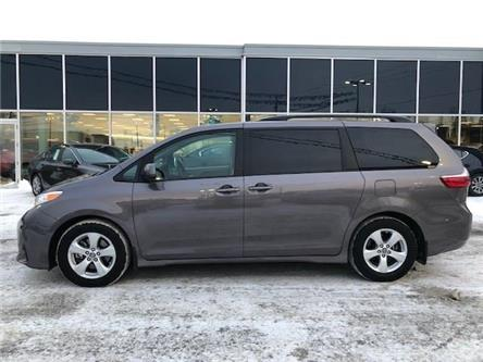 2019 Toyota Sienna LE 8-Passenger (Stk: M2732) in Gloucester - Image 2 of 20