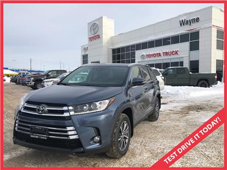 2019 Toyota Highlander XLE (Stk: 22097) in Thunder Bay - Image 1 of 18
