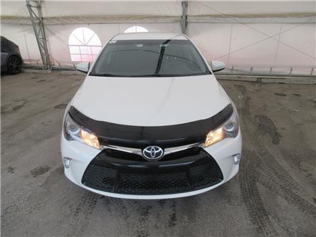 2015 Toyota Camry SE (Stk: S3252) in Calgary - Image 2 of 23