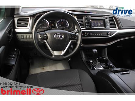 2017 Toyota Highlander LE (Stk: 197886A) in Scarborough - Image 2 of 25